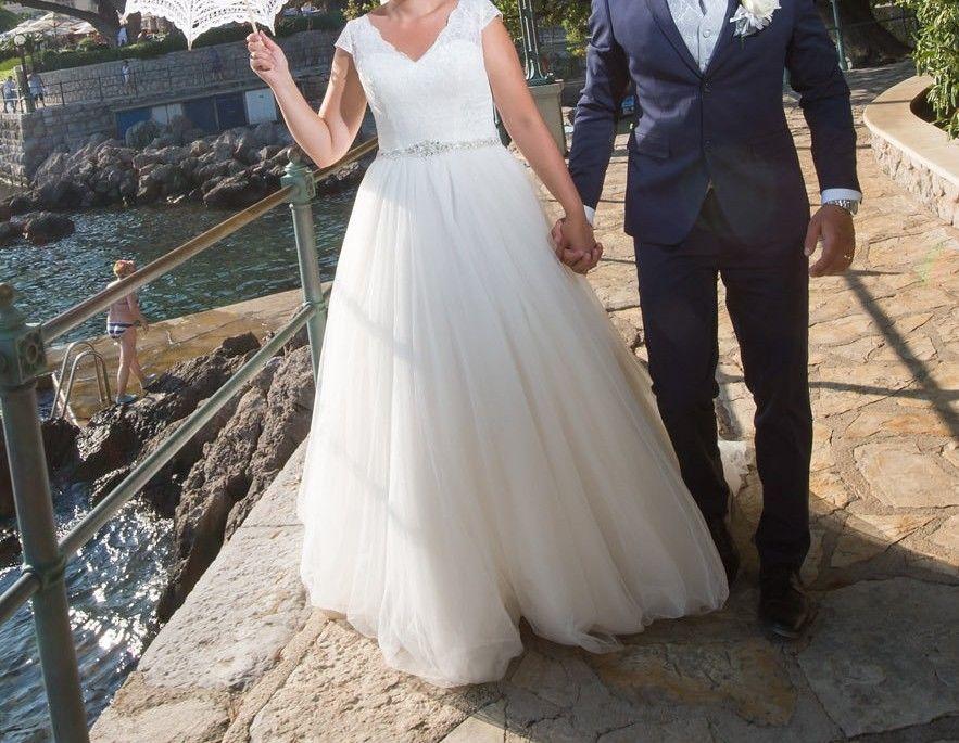 5509a57b4 Utrolig vakker Lady Bird brudekjole selges med tungt hjerte | FINN.no