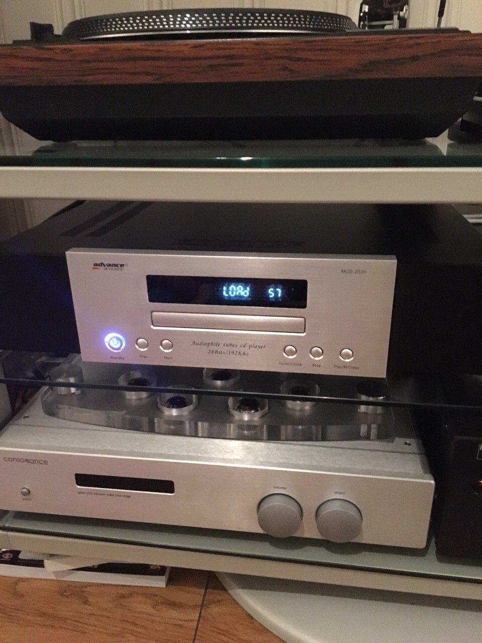 Advance Acoustic MCD203 II audiophile *reservert til 12.10.* - Flateby  - Vurdere å selge min audiophile Advance Acoustic CD Player. Det er en ren CD Player uten noe Firlefanz (DVD, BlueRay). 24bit/192Khz, det sier egentlig alt. Fransk high end med rør og XLR utgang.  Massiv chassis og aluminium front!! - Flateby