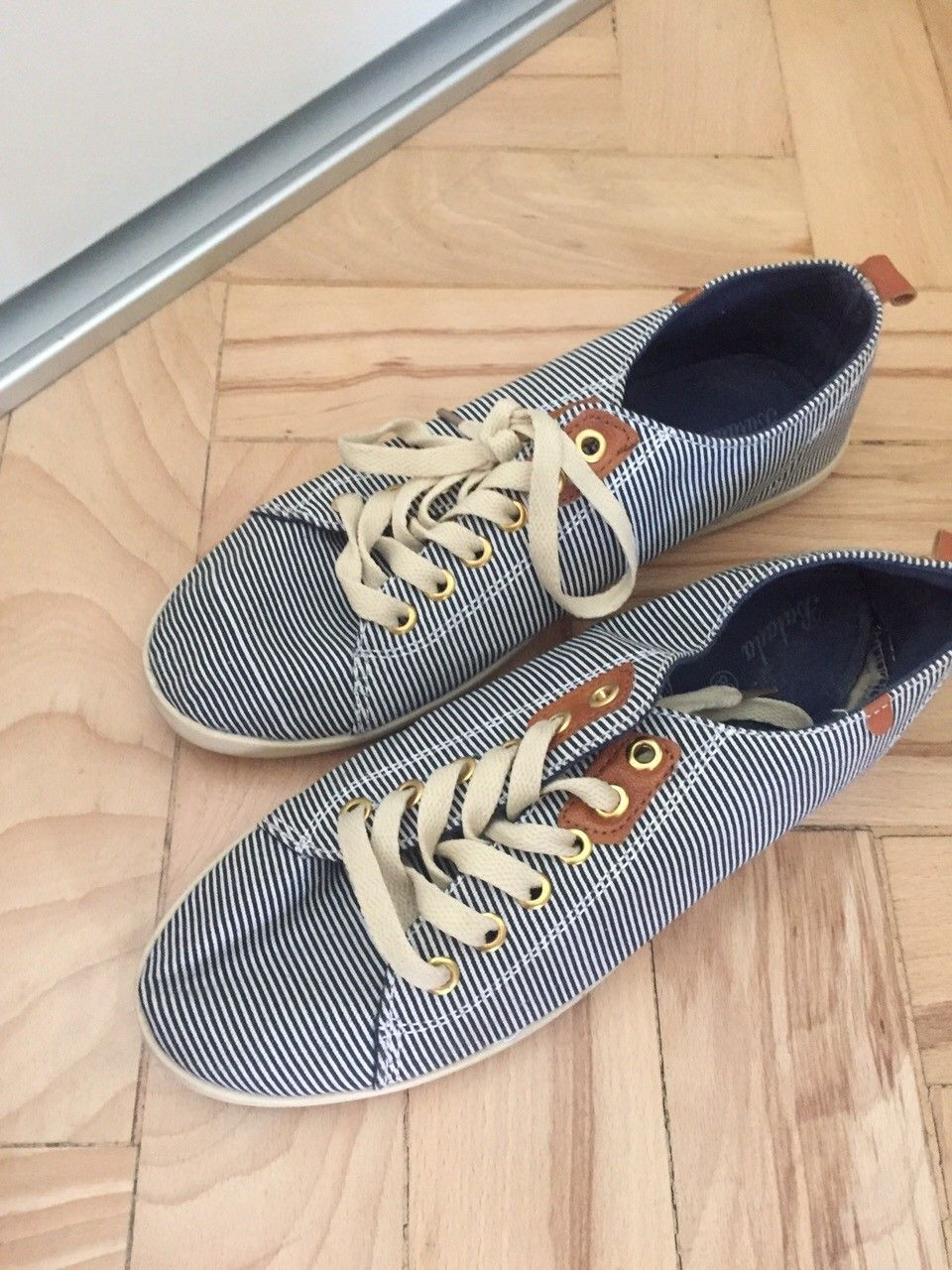 Sommer sko - Morvik  - Sommer sko- brukt en gang- str 38 men mer sånn 39 - 80nok - Morvik