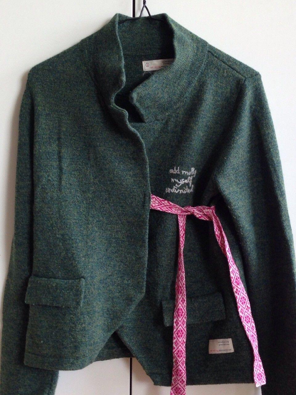 Lovely knit, Odd Molly - Trondheim  - Omslagsjakke i ullblanding fra Odd Molly , jakken er grønn og har knytebånd i rosa og hvitt. Str 2(M), selges kr 600.  Ev. porto kommer i tillegg :) - Trondheim