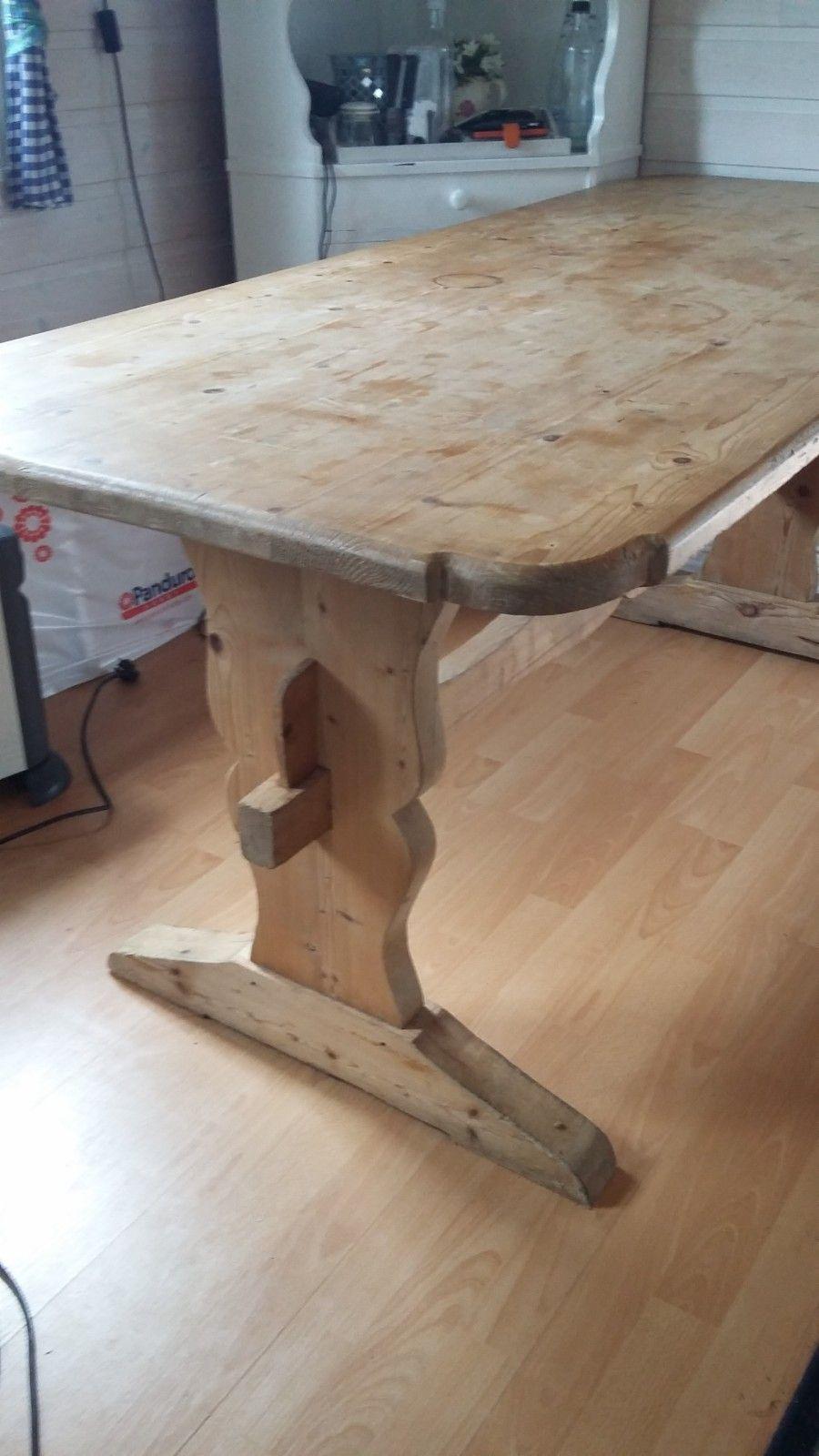 Antikk Spisebord . Plass til 10 stoler rundt bordet. | FINN.no