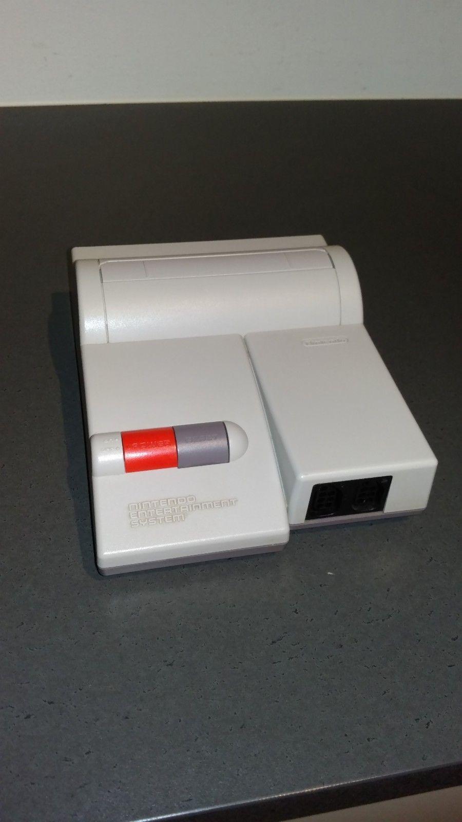 Nintendo Nes Toploader NTSC - Sandnes  - Nintendo Nes Toploader NTSC Har blitt modifiseret med AV koplings mugligheter og true stereo, 2 lyd kanaler.  Ønsker bud - Sandnes