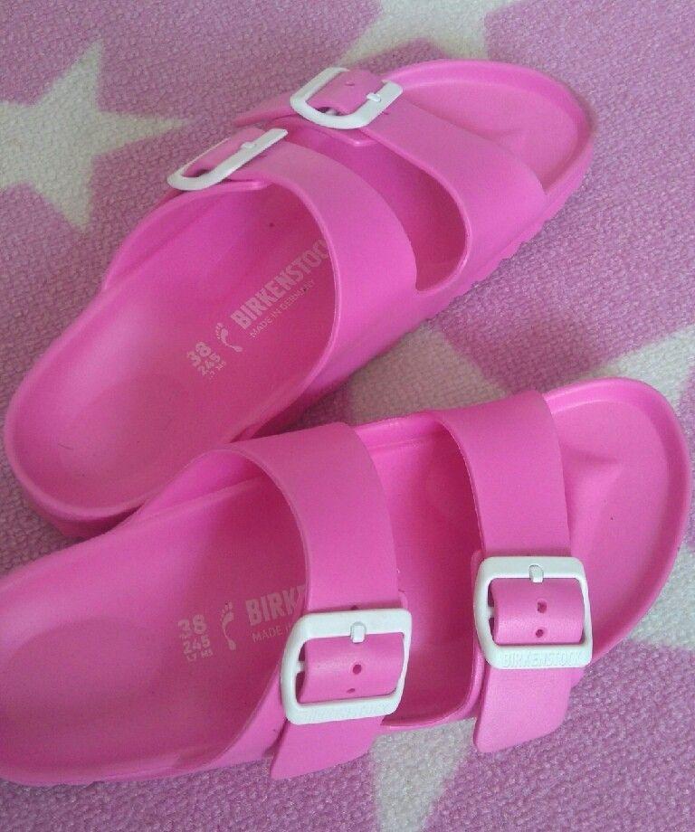 """Sandal """"Birkenstock"""" rosa str 38 - Krokstadelva  - Rosa, plast Birkenstock sandal. Svært lite brukt. Str 38. Ny pris 387,-. S kr 200,-. - Krokstadelva"""