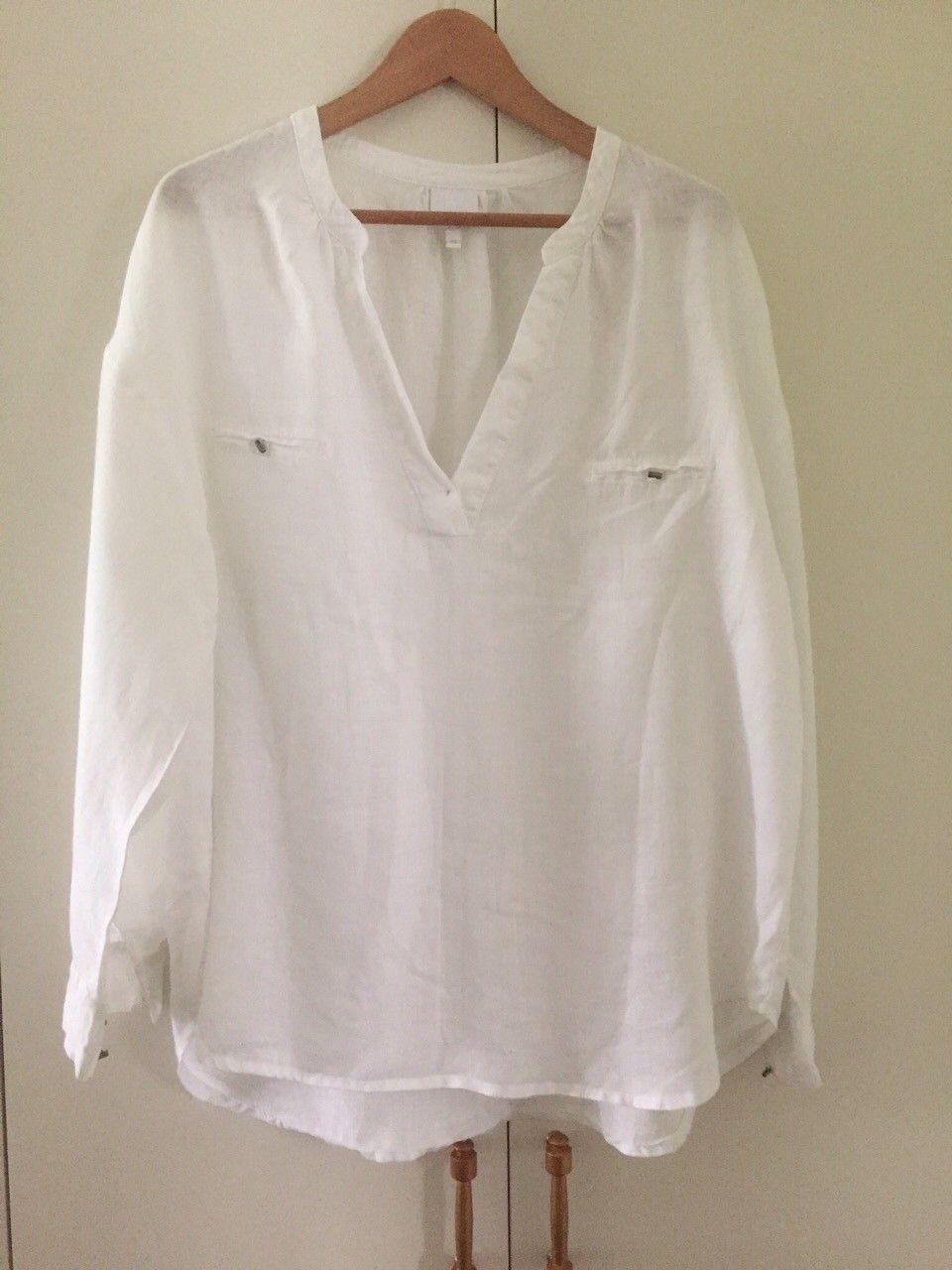 Anemone - hvit skjorte i lin - Tønsberg  - Hvit Anemone lin skjorte selges. Ubetydelig brukt. Romslig modell. Kan sendes mot forskuddsbetaling, og da betaler kjøper frakt. - Tønsberg