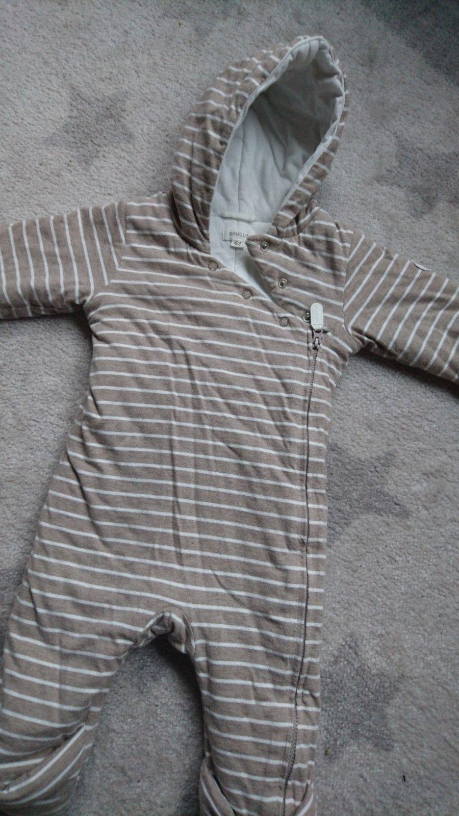 2 fine Dress, newbie 62 cm og fleece pose/dress 50/56cm - Oslo  - Newbie dress brukt for soving i vognen og andre dress er ubrukt. Fleece dress kan man bruke som bilsete pose, du kan ta setebelte gjennom dress.  Må hentes og betales med kontat eller vips. - Oslo