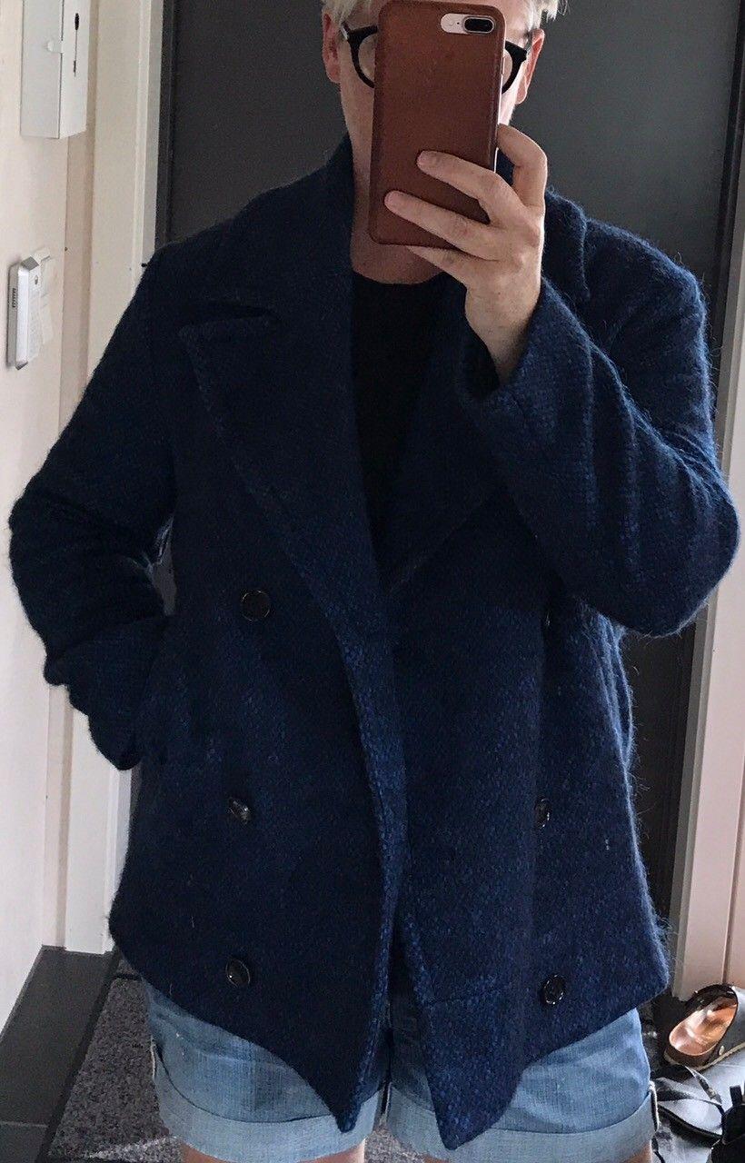 Dagmar jakke - Drøbak  - Dagmar kort kåpe/jakke. Blå/svart. Str 38 men er ment å være litt stor og er brukt av dame large.  Selges for 1500,- - Drøbak