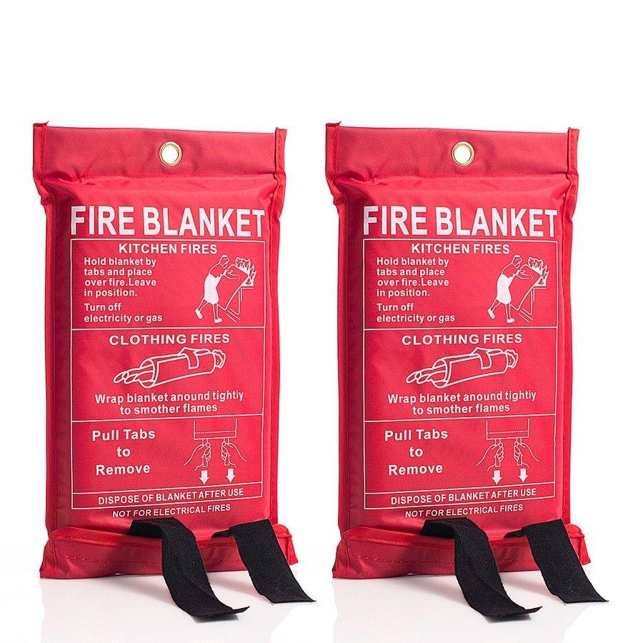 Brannteppe - 2 stk - Kolltveit  - Brannteppe - 2 stk  Enkle og praktiske branntepper som er laget av glassfibervev med en varmebestandighet på 550 grader celcius.   Teppene hindrer brann i å spre seg og egner seg spesielt godt til å dekke over brenne - Kolltveit