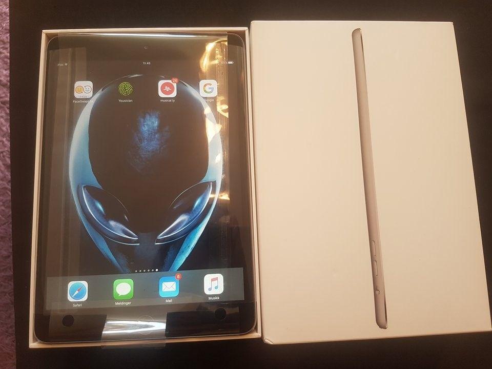 """iPad mini 3 Wi-Fi 16GB Space Gray - Stokke  - iPad mini 3 Wi-Fi 16GB Space Gray Pent brukt iPad mini 3 selges. Alt av utstyr følger med inkludert skjermbeskytter og  Apple iPad 7.9"""" Smart Cover deksel følger med, og eske og lader. https://support.apple.com/kb/SP709?l - Stokke"""