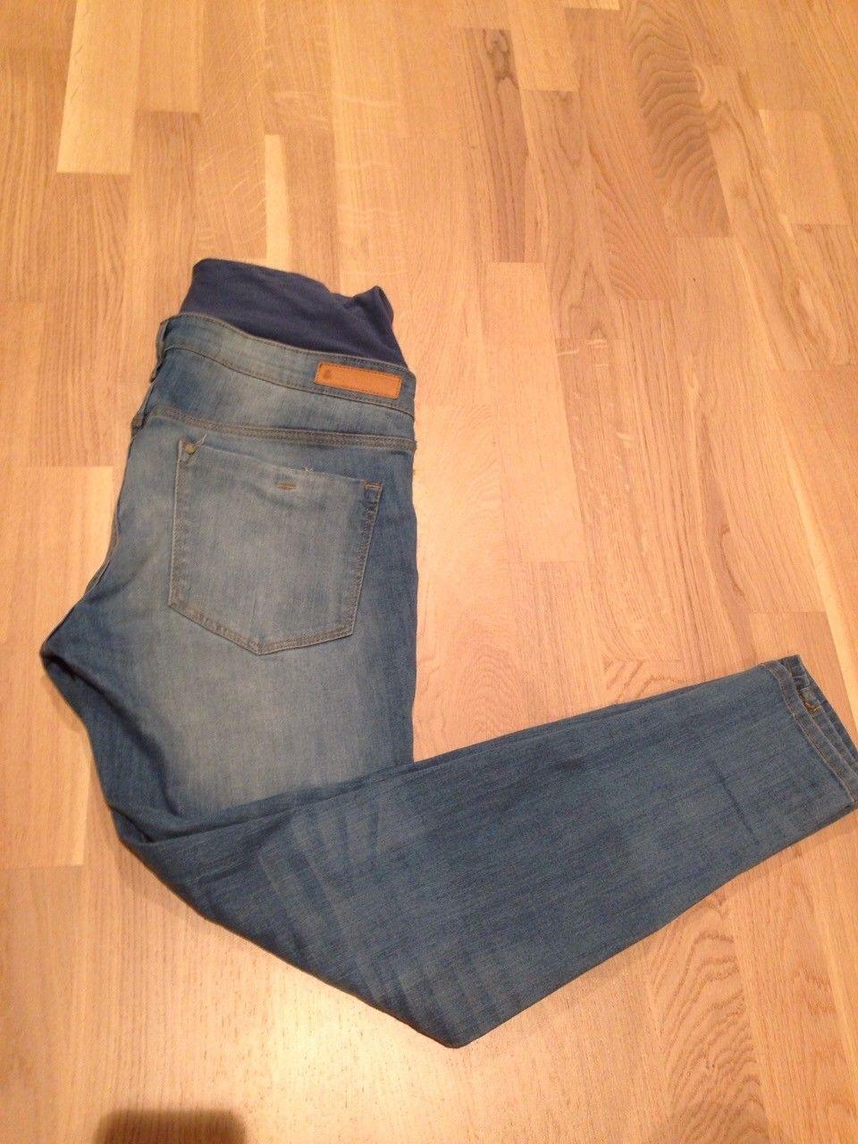 Mammabukse str 40 fra HM - Bekkestua  - Mama Jeans / Bukse fra HM i str 40 selges for 160 kr. Brukt et par ganger etter fødsel kun