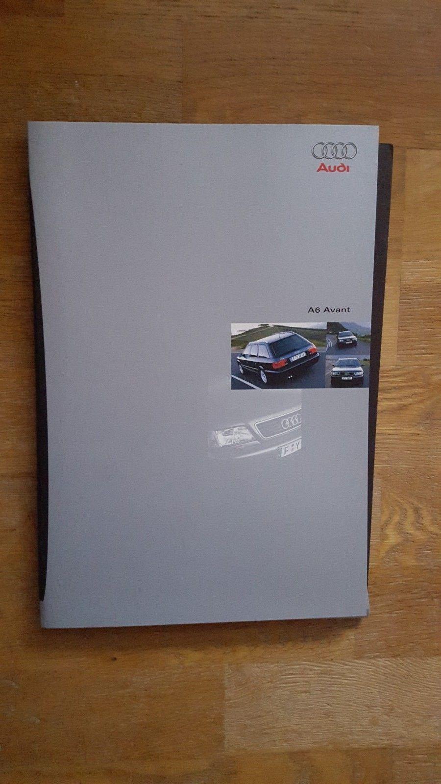 Brosjyre Audi A6 Avant 1997 - Sandefjord  - Bilbrosjyre Audi A6 Avant 1997, mappe som inneholder hovedbrosjyre på 48 sider, tekniske data + farger på 30 sider og ekstrautstur på 14 sider, tysk, meget god stand, kr. 150,- + porto - Sandefjord