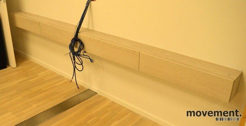 Helt nye Vegghengt hylle / skjenk i gråbeiset eikefiner, bredde 294cm KI-77