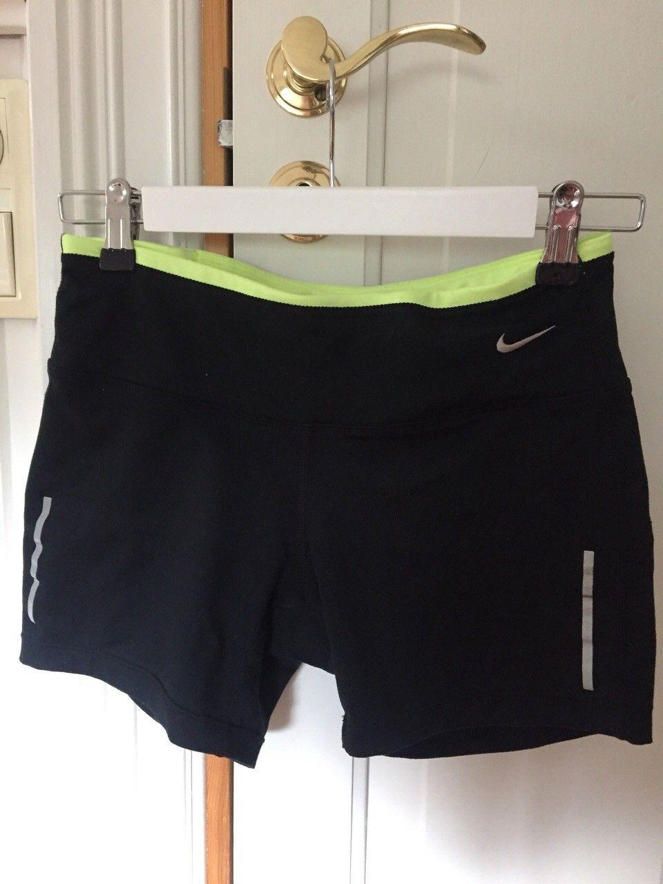 023e8421 Nike Trenings shorts dame   FINN.no