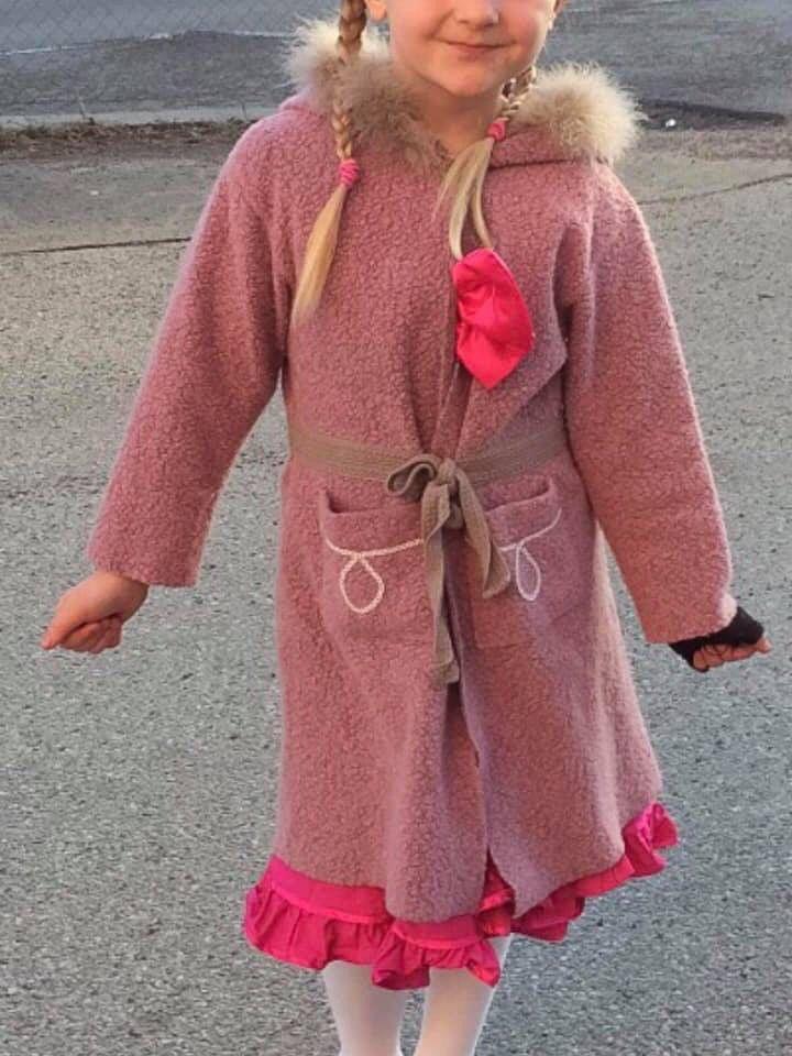 8a45c90f Søt rosa kåpe til jente   FINN.no