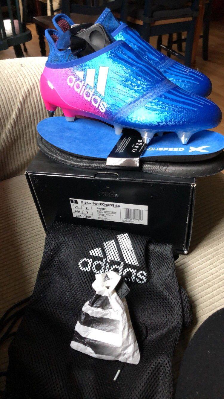 Adidas Fotballsko i str 40