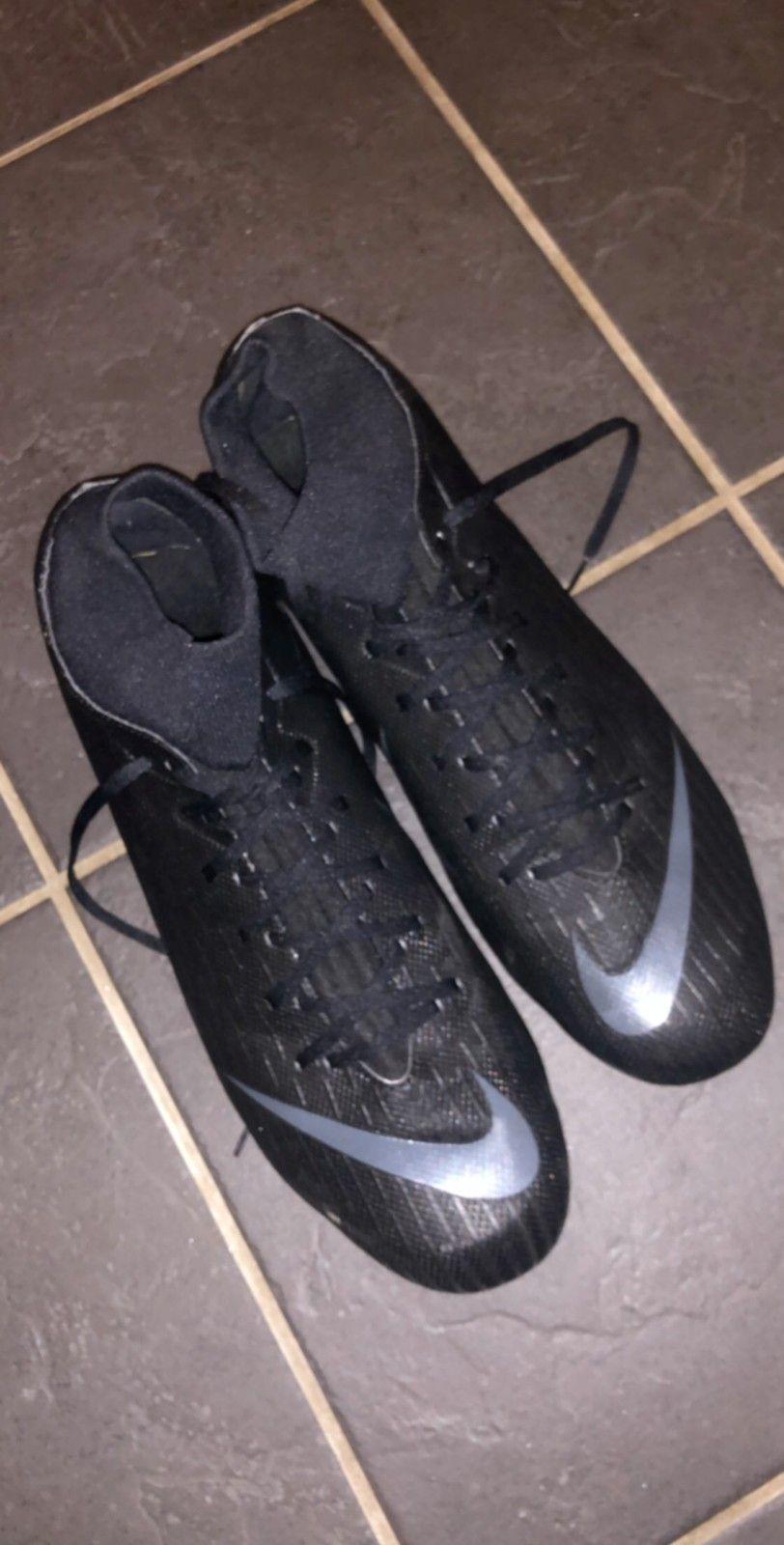 Fotballsko og sokker | FINN.no