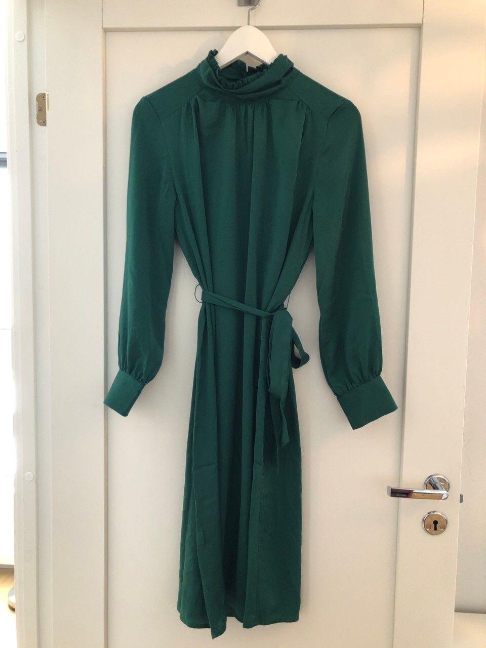 452764b2 Nydelig grønn kjole fra Only - ubrukt | FINN.no