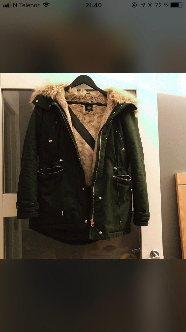 Jakke fra Zara med stor pels | FINN.no