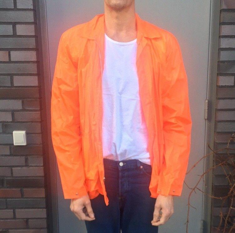 161bb121 Regnjakke Oransje herre Medium | FINN.no
