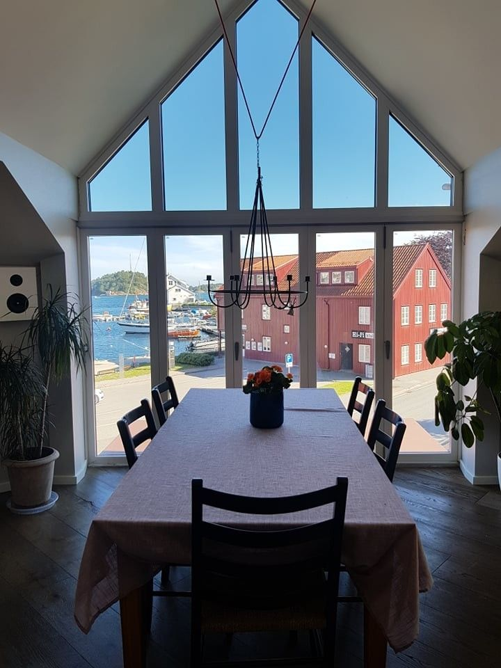 Spisebord 2 med utsikt