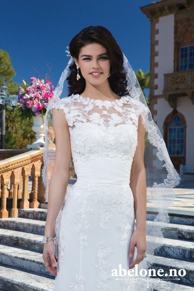 dc9e9741 Nydelig brudekjole fra Sincerity strl 36, med underskjørt og Bolero    FINN.no