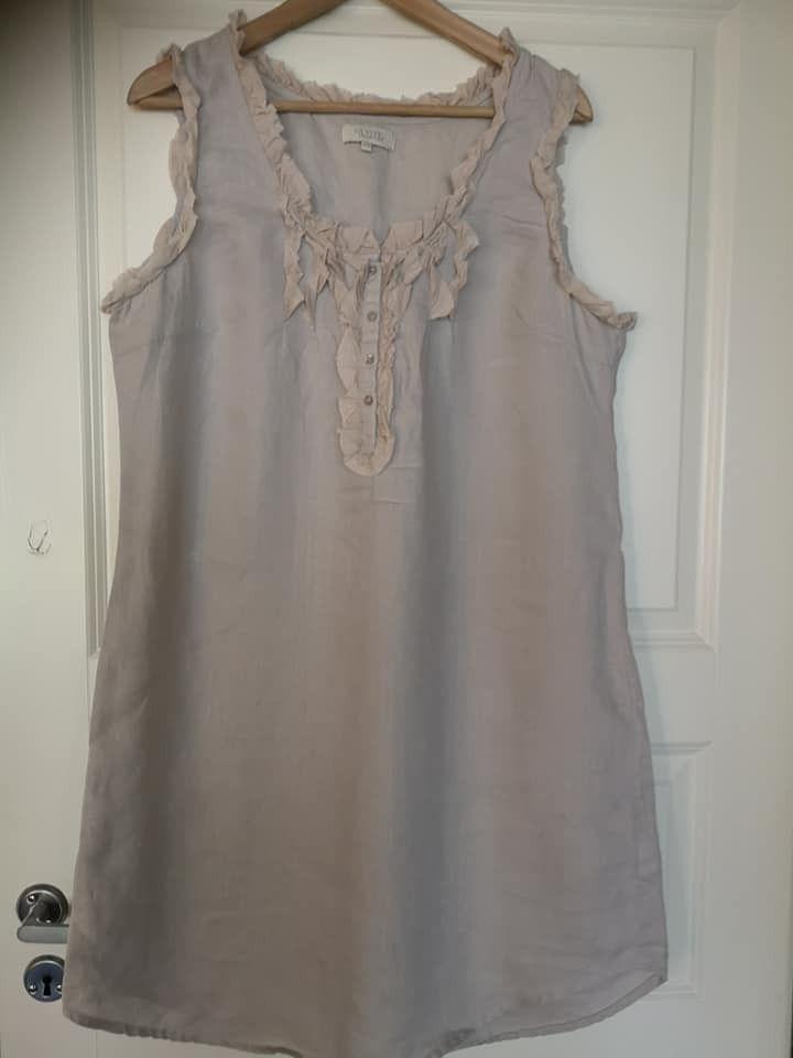 kjole str 42