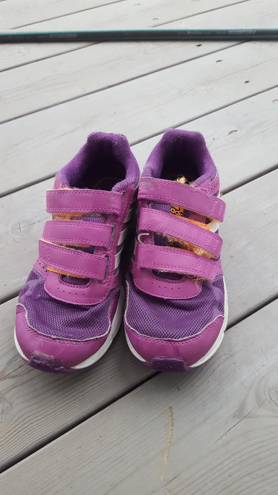 1d32b9de73c Adidas sko str 32   FINN.no