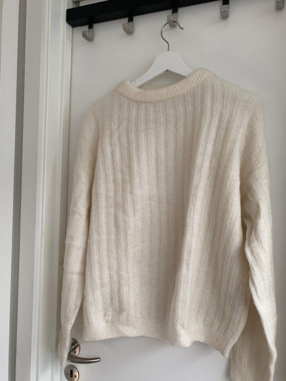 925488c6 Opprydding i skapet: Lite brukt/ ubrukt klær fra forskjellige merker ...