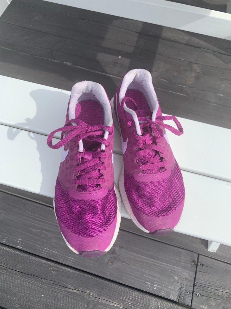 Nike joggesko str 36,5   FINN.no