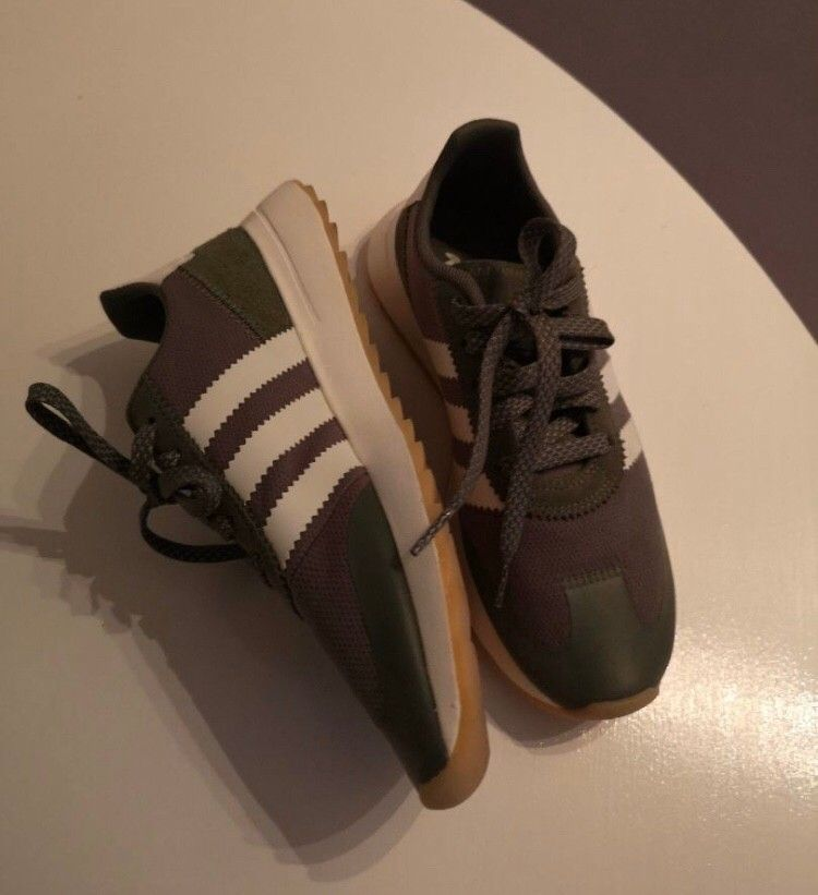 Sneakers fra Adidas str 37 13 | FINN.no
