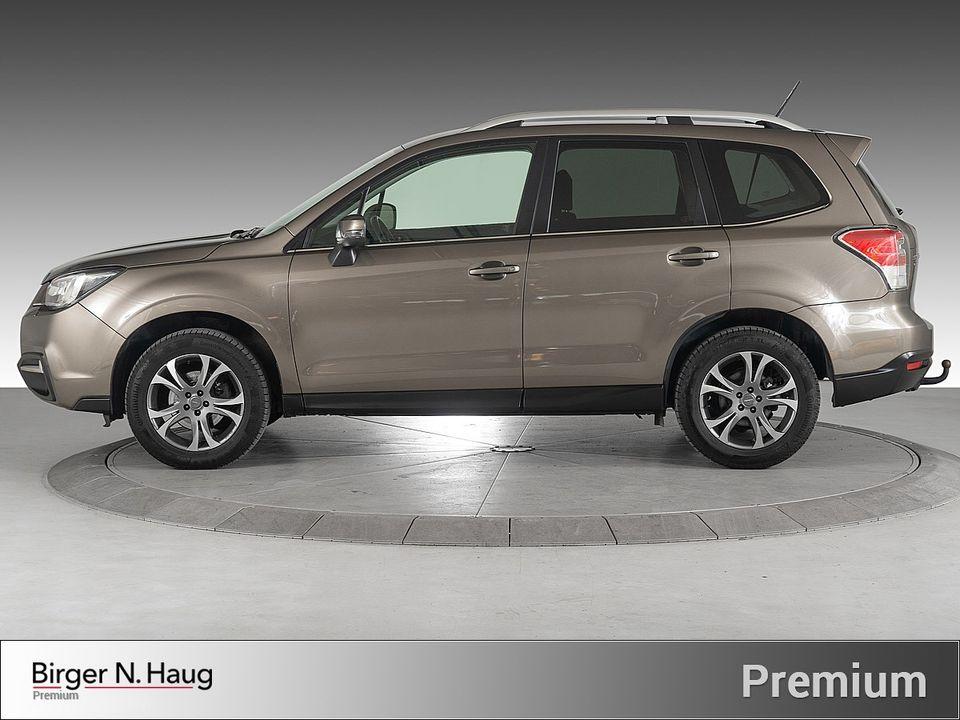 Bilen har selvfølgelig tilhengerfeste montert, og bilen kan trekke 2000kg.