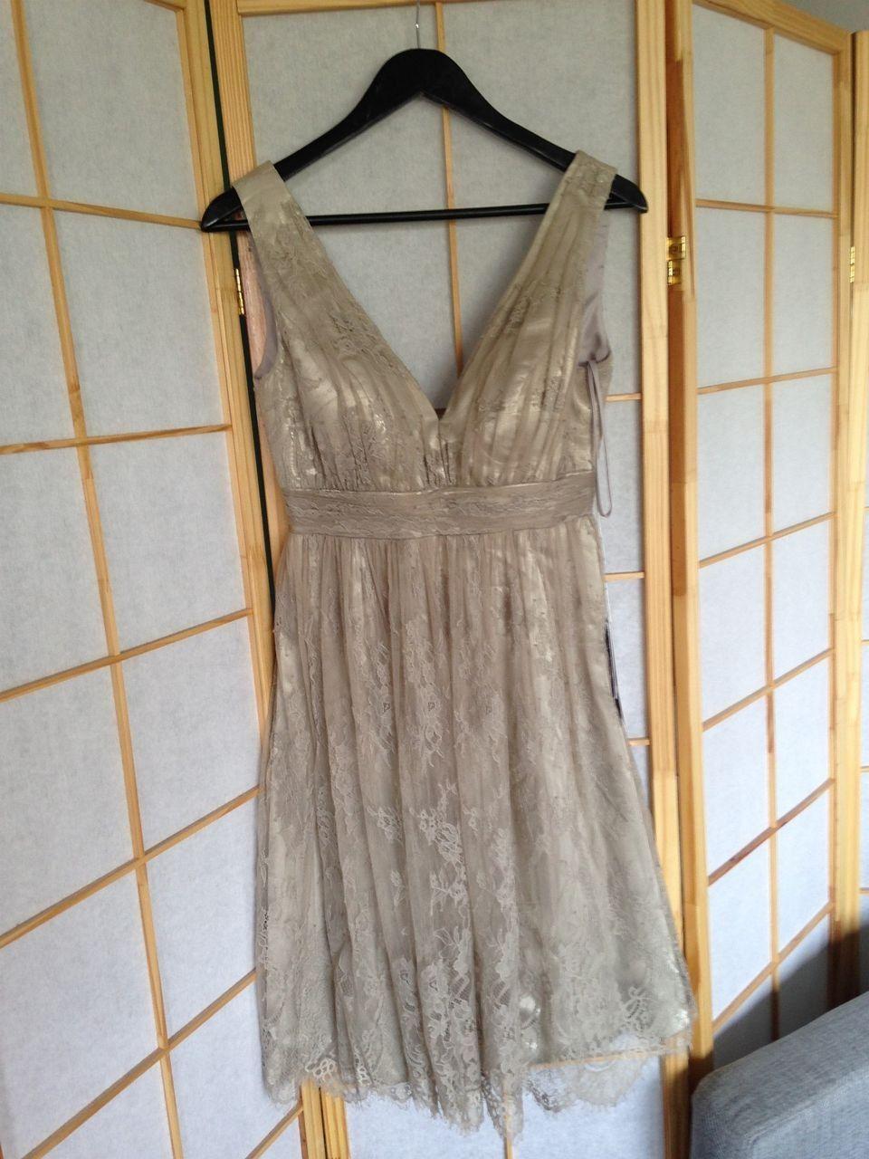 Selskapskjole perfekt til bryllupkonfirmasjon | FINN.no