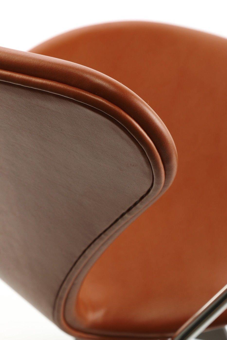 Arne Jacobsen Syverstole model 3107 elegance Walnut farget
