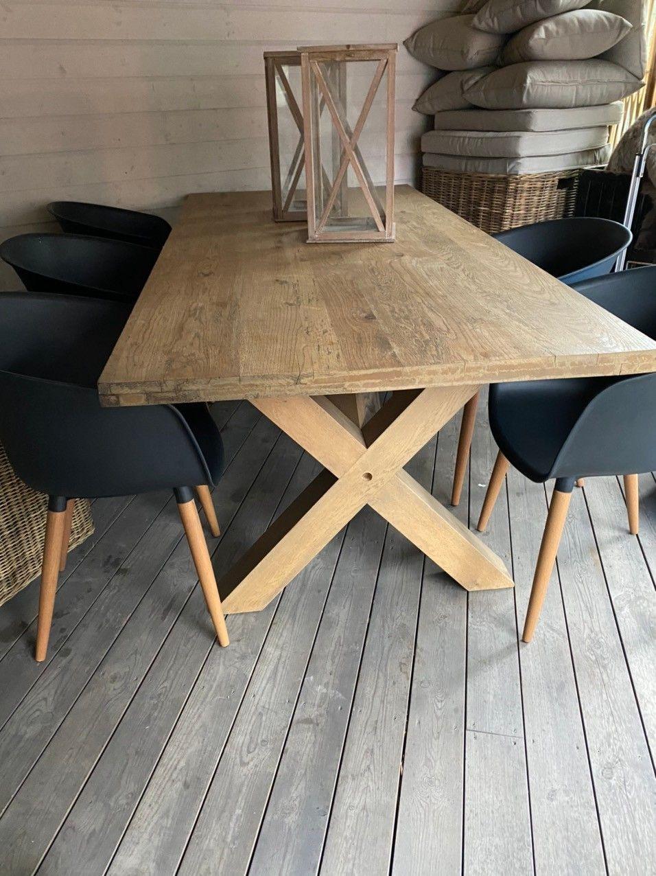 Lekkert spisebord | FINN.no