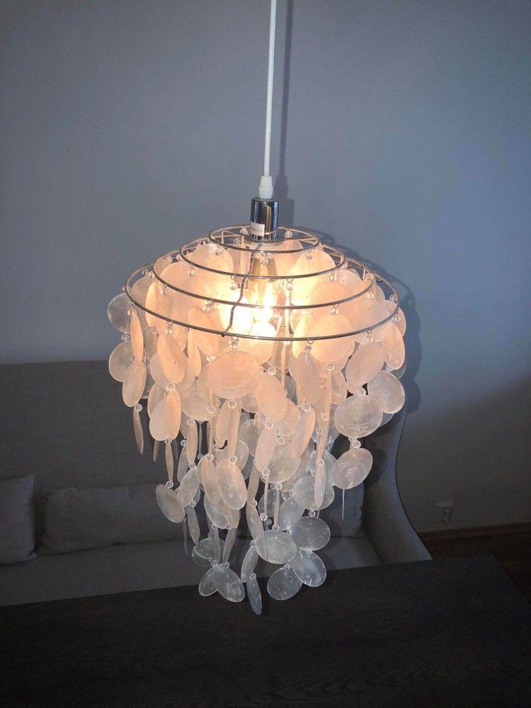 Skjell taklampe. | FINN.no