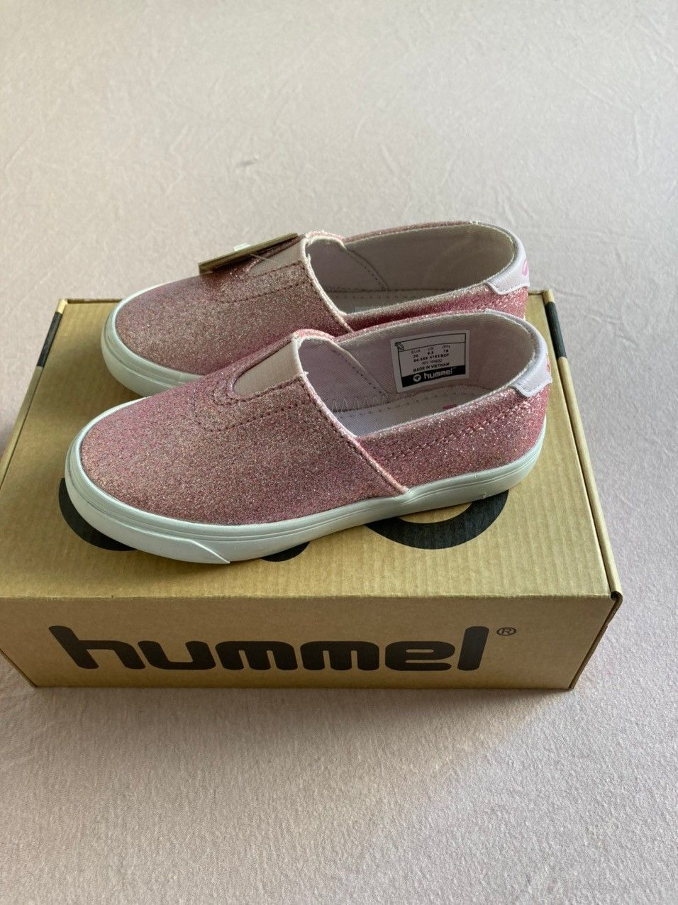 Helt nye Hummel jentesko str 26   FINN.no