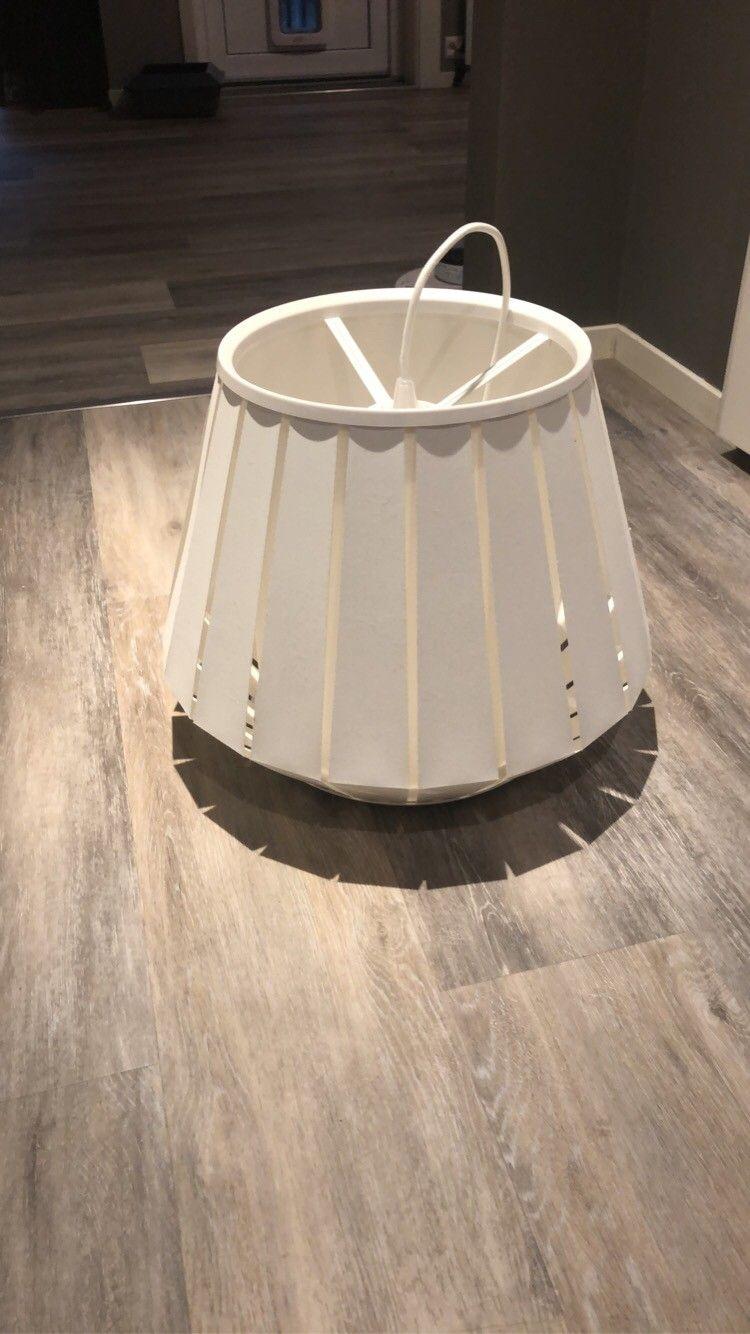 1) Lampe til salgs | FINN.no | Lamper, Finér, Lagring