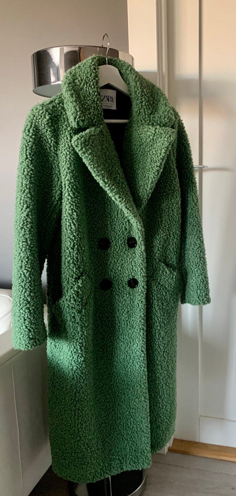 Kåpe fra Zara i grønn 400kr | FINN.no