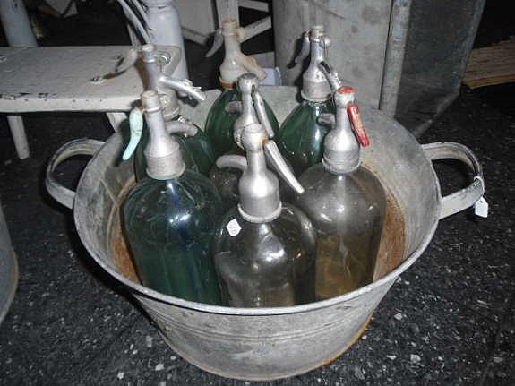 gamle sodaflasker kr 200