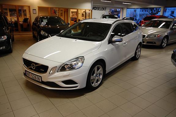 Volvo V60 D2 Momentum R-design R-Design, Volvooncall, Tonede ruter, sportsstolerskinn, lav km, navi  2012, 46000 km, kr 279000,-