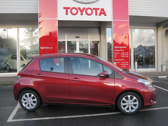Toyota Yaris 1,4 D-4D Style m/Navi og Ryggekamera  2012, 46434 km, kr 169000,-