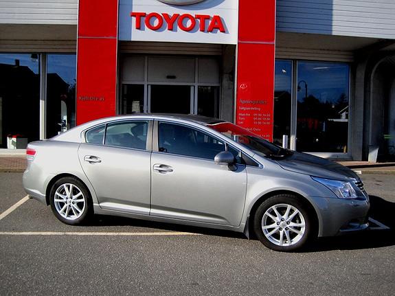 Toyota Avensis 2,0 D-4D DPF 126hk Advance NaviTech Hengerfeste  2010, 61198 km, kr 189000,-