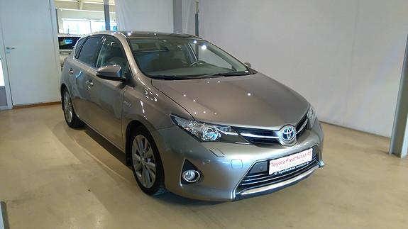 Toyota Auris 1,8 Hybrid E-CVT Executive MEGET VELUTSTYRT, GLASSTAK, RYGGEKAMERA, DELSKINN  2013, 69000 km, kr 239000,-