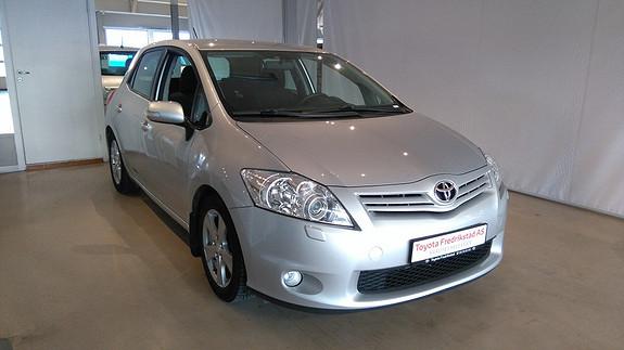 Toyota Auris 1,4 D-4D (DPF) Advance PEN AURIS M/KLIMAANLEGG, TILHENGERFESTE, R/CD  2010, 94500 km, kr 119000,-