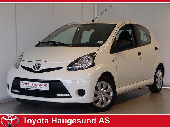 Toyota Aygo 1,0 5-d Norsk bil - GARANTI - drivstoffgjerrig og driftssikker!  2013, 23275 km, kr 109000,-