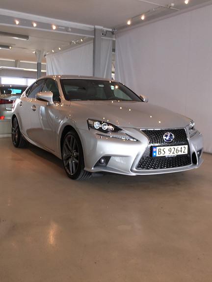 Lexus IS 300h F Sport Pakke 1  2014, 8000 km, kr 479000,-