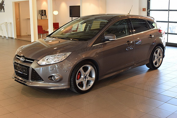 Ford Focus 1,0 EcoBoost 125hk Titanium Sony, Styling, Parkeringsassistent +++  2013, 12 700 km, kr 245 000,-