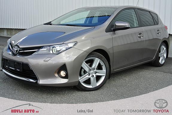 Toyota Auris 1,4 D-4D Style NB! kun gått 2500 km. Bilen er som ny.  2014, 2400 km, kr 249000,-