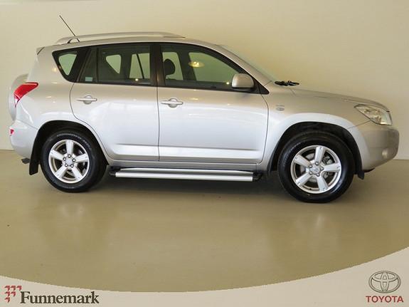 Toyota RAV4 2.2-136HK D-4D 4WD SPORT (PEN OG VELHOLDT. LAV KM.!)  2007, 103000 km, kr 169000,-