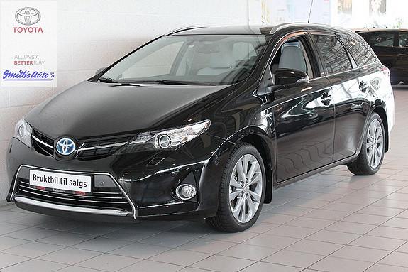 Toyota Auris 1.8 EXECUTIVE - SKINNSETER OG PANORAMATAK  2015, 3000 km, kr 309000,-
