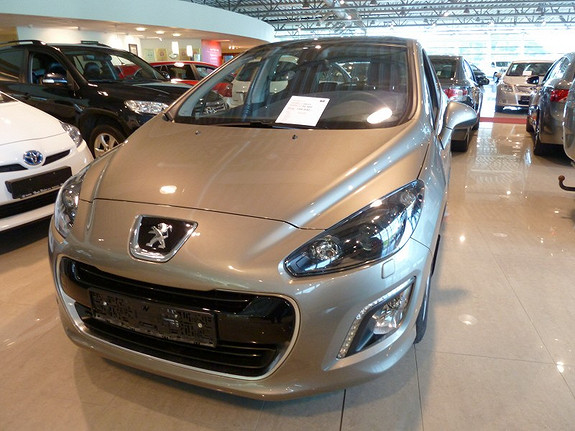 Peugeot 308 1.6 HDi PANORAMA HENGERFESTE LAV KM  2011, 30500 km, kr 159000,-